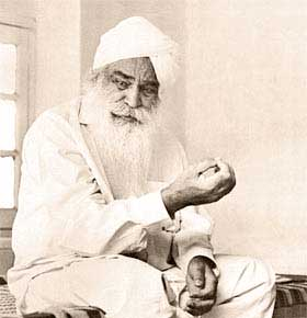 Sant Kirpal Singh's last talk to disciples from outside India was held on evening of 17 August 1974