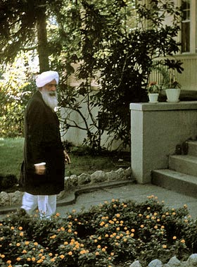 -Kirpal-Singh,-Washington,-Khannas-house,-USA-1963a_resize